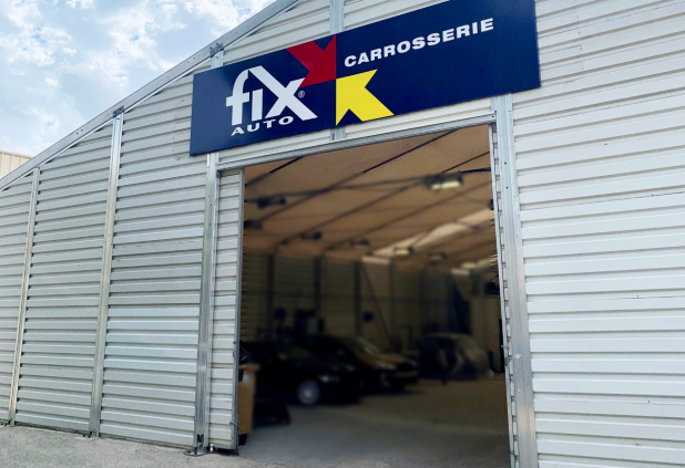 Avec Fix Auto Paris Ouest et Fix Auto Salon de Provence (en photo), l'enseigne de carrosserie prend pied dans deux zones stratégiques.